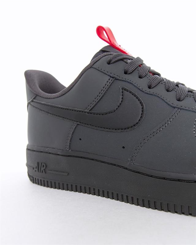 Nike Air Force 1 07 | BQ4326 001 | Svart | Sneakers | Skor | Footish