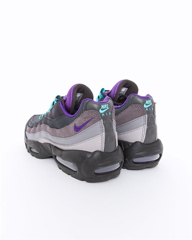 Nike Air Max 95 LV8 | AO2450 002 | Svart | Sneakers | Skor | Footish