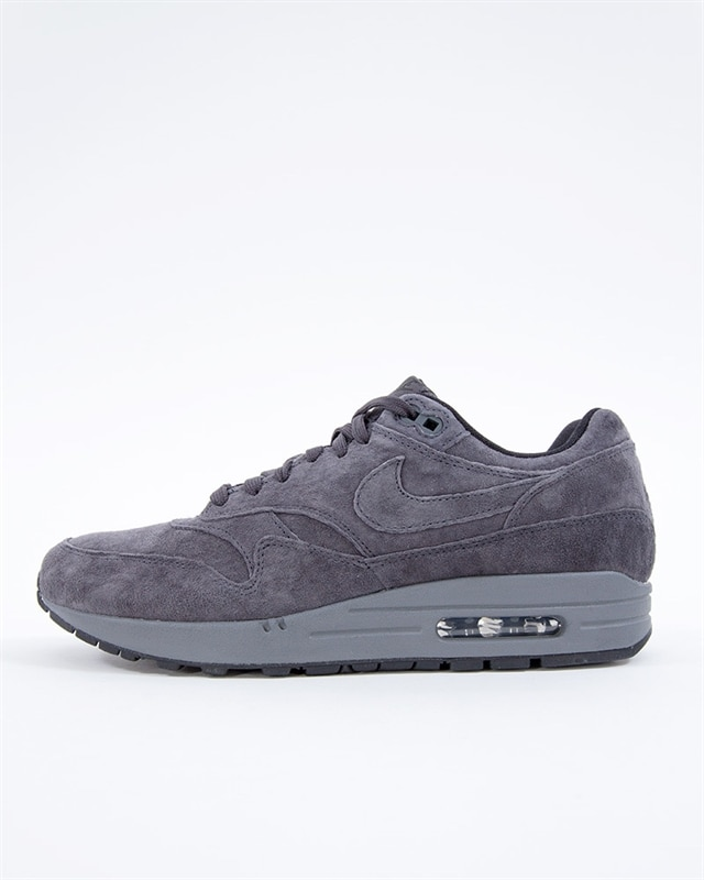 Nike Mike Air Max 1 Premium | 875844 010 | Svart | Sneakers | Skor | Footish