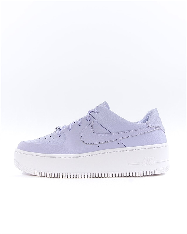 Nike Wmns Air Force 1 Sage Low | AR5339 500 | Lila | Sneakers | Skor | Footish